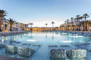 Small grand palladium white island resort spa 1 online 800x600