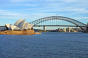 Small adobestock 65284445 the sydney harbour bridge and opera house livetraveling export 600 800